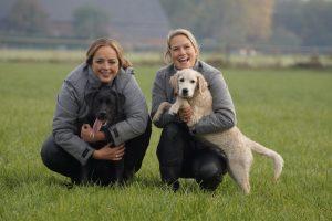 Brenda en Maree met de honden